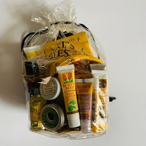 Burt's Bees Herbal Spa Set - 20 item- New Gift Set
